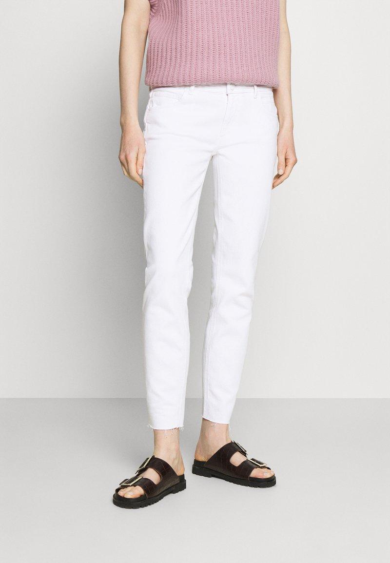 Marc O'Polo DENIM - ALVA - Jeans Tapered Fit - bright white