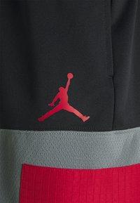 Jordan - AIR SHORT - Pantaloncini sportivi - black/smoke grey/gym red - 4