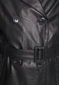 Oakwood - JOURNAL - Trenchcoat - black - 3