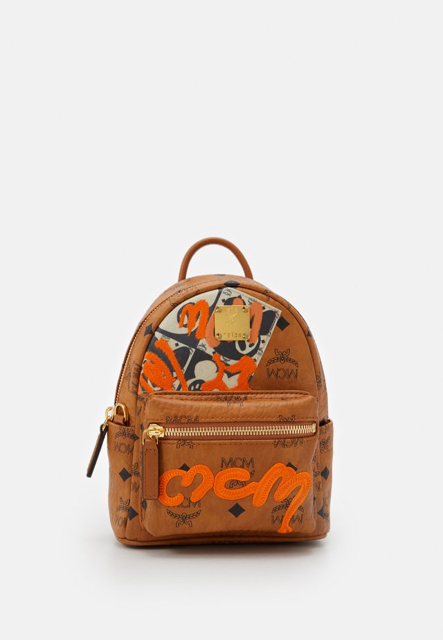 BEAR BACKPACK  - Mochila - cognac