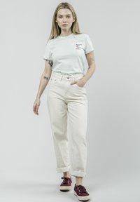 Brava Fabrics - KOINOBORI KITE - Print T-shirt - green - 1