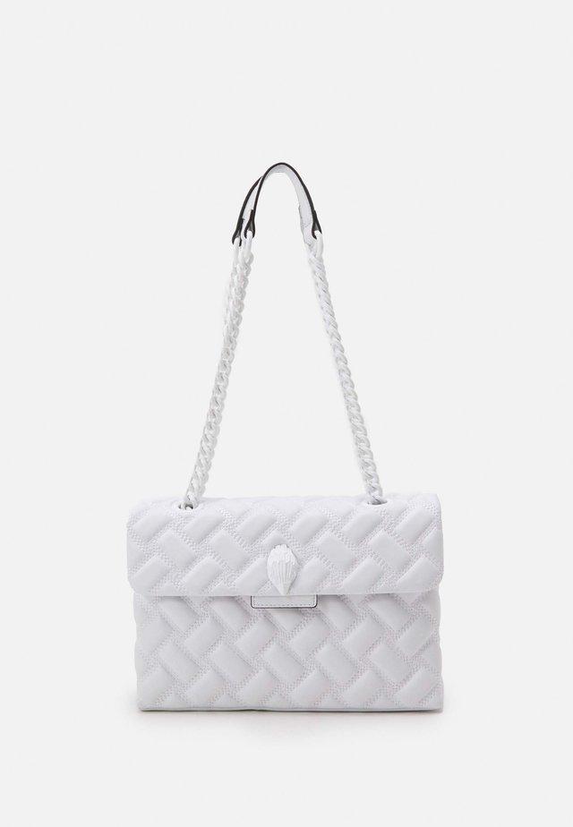 KENSINGTON BAG DRENCH - Across body bag - white