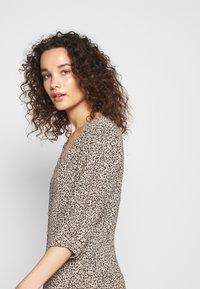 Modström - EMILY PRINT DRESS - Day dress - light brown - 4