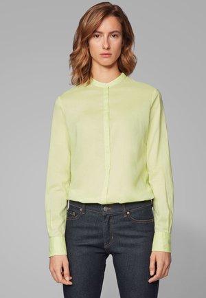 EFELIZE - Button-down blouse - light green
