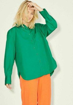 JXJAMIE  - Button-down blouse - jolly green