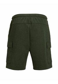 Jack & Jones - AIR CARGO - Shorts - deep lichen green - 7