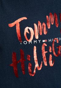 Tommy Hilfiger - GRAPHIC ON TEE  - T-shirt print - blue - 2