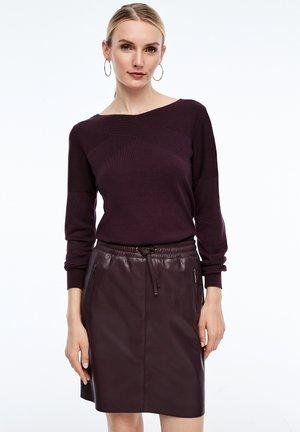 MIT STRUKTURMUSTER - Sweatshirt - purple