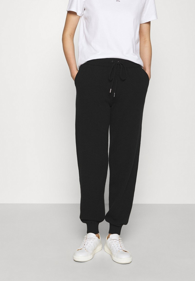 Johnstons of Elgin - CUFFED JOGGERS - Tracksuit bottoms - black