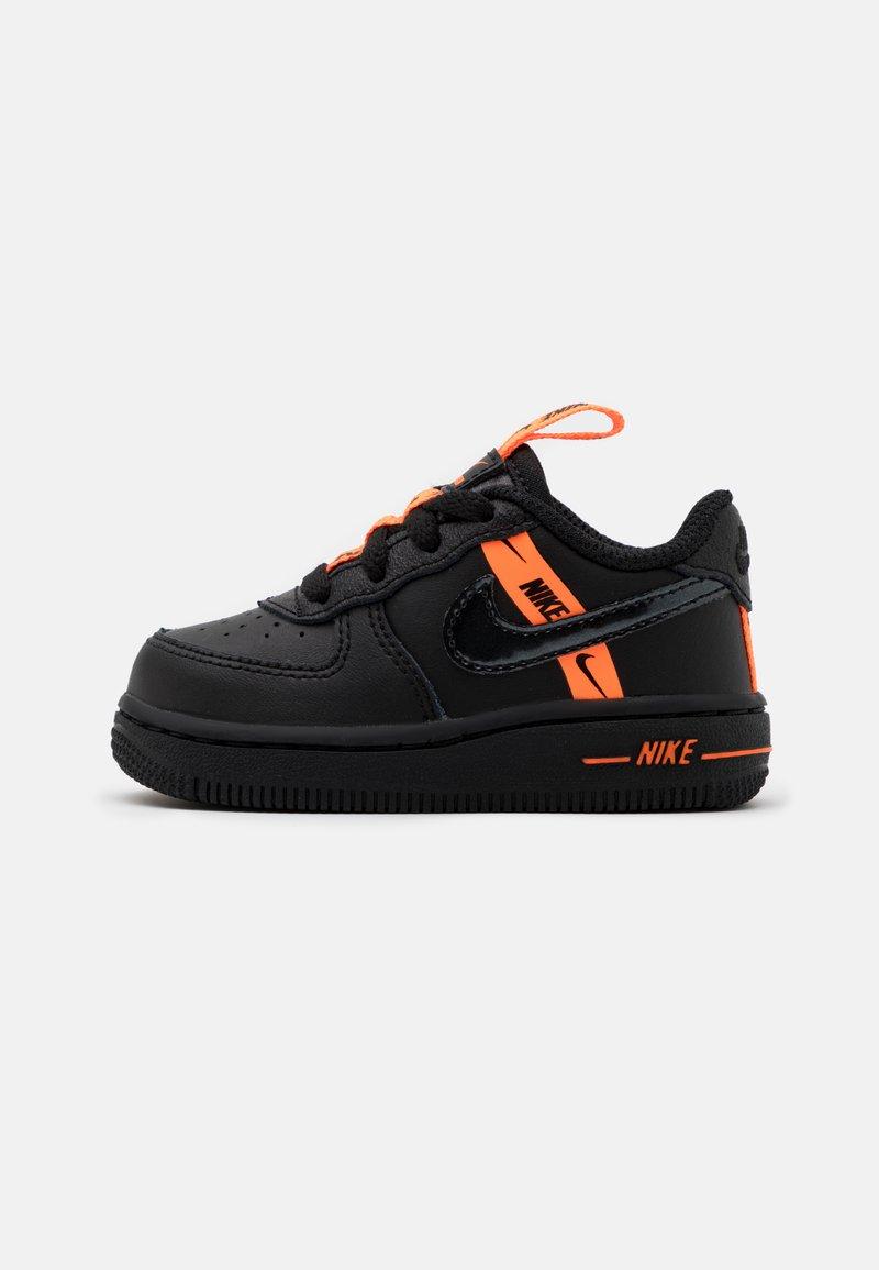 Nike Sportswear - FORCE 1 UNISEX - Baby shoes - black/total orange