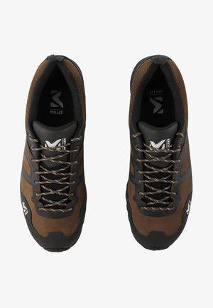 HIKE UP GTX M - Chaussures de marche - marron