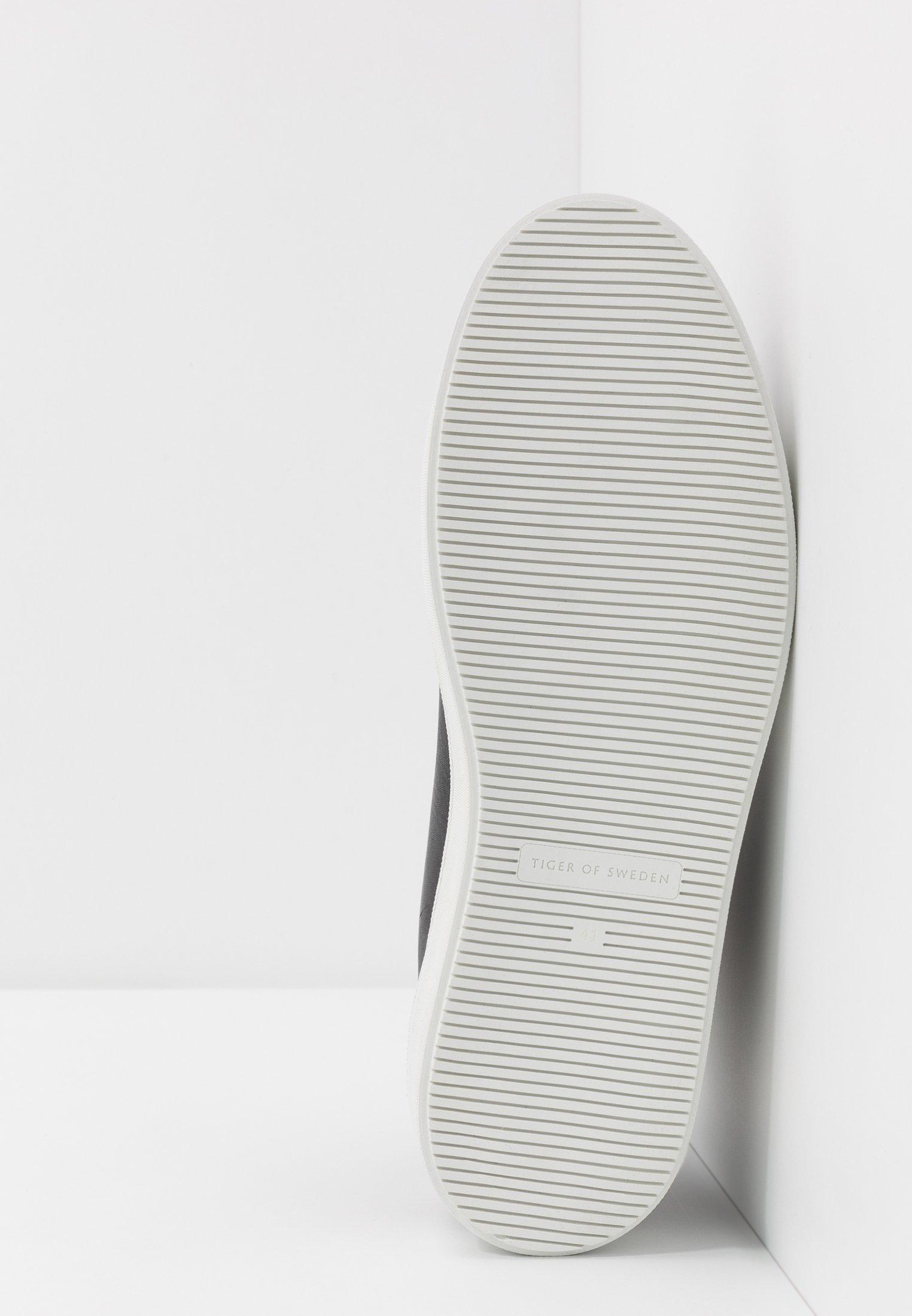 Poco costoso Scarpe da uomo Tiger of Sweden SALAS Sneakers alte black