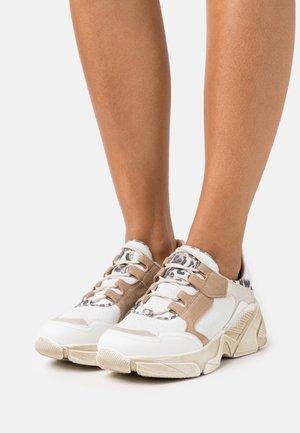 KIMBER - Sneakersy niskie - bianco/panna