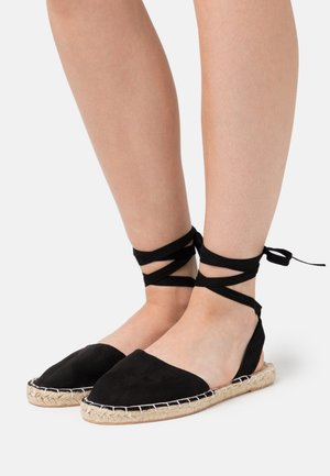 WIDE FIT MILLIE - Alpargatas - black