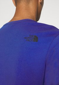 The North Face - FINE TEE - T-shirts med print - blue - 4