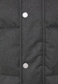 Calvin Klein - QUILTED HOODED JACKET - Winter jacket - grey - 4