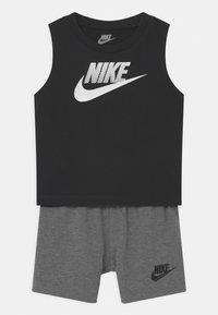 Nike Sportswear - MUSCLE SET - Top - carbon heather - 0