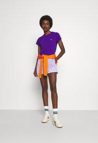 Polo Ralph Lauren - TEE SHORT SLEEVE - Basic T-shirt - british purple - 1