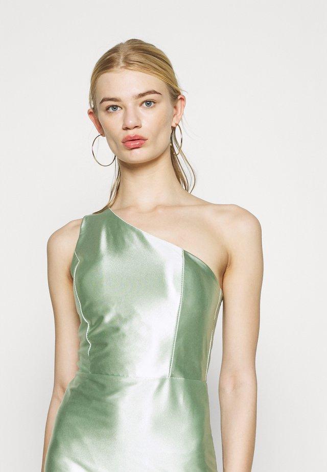 SKYLER ONE SHOULDER MID DRESS - Koktejlové šaty/ šaty na párty - mint green