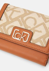 Calvin Klein - TRIFOLD - Wallet - brown - 4