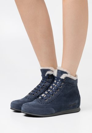 MILENA  - Sneakers high - navy