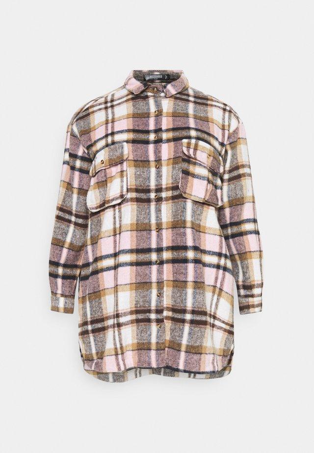 OVERSIZED SHIRT DRESS BRUSHED CHECK - Shirt dress - pink