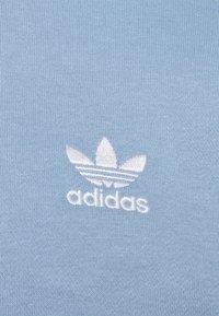 adidas Originals - 3-STRIPES HOODY ORIGINALS ADICOLOR SWEATSHIRT HOODIE - Hoodie - ambient sky - 6