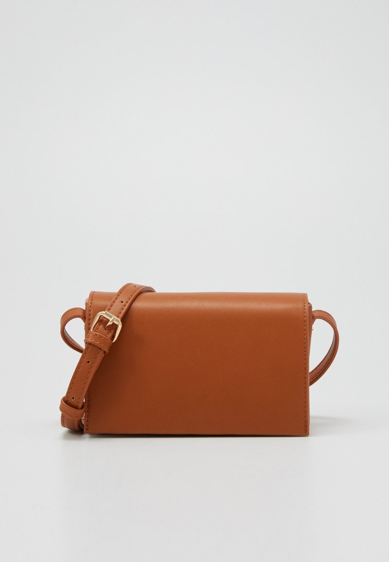 Pieces - PCNANNY CROSS BODY  - Skulderveske - cognac