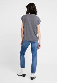 Vero Moda - VMAVA PLAIN STRIPE - Print T-shirt - night sky/snow white - 2
