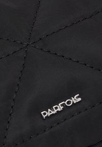 PARFOIS - CROSSBODY BAG CLAIR - Across body bag - black - 4