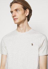 Polo Ralph Lauren - T-shirt basique - american heather - 4