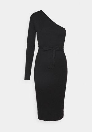 ONE SHOULDER BELTED MIDI DRESS - Vestido de punto - black