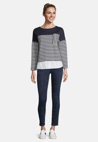 Betty & Co - MIT STREIFEN - Sweatshirt - blue/white - 1