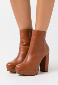 Bullboxer - High heeled ankle boots - brown - 0