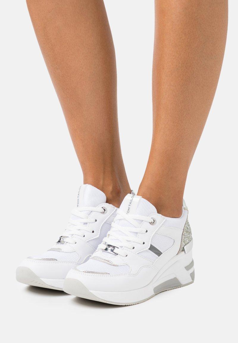 TOM TAILOR - Zapatillas altas - white/silver