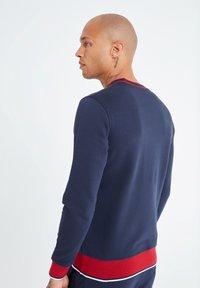 Jimmy Sanders - MIT UNIFARBENEM STOFF - Sweatshirt - dunkelblau - 2