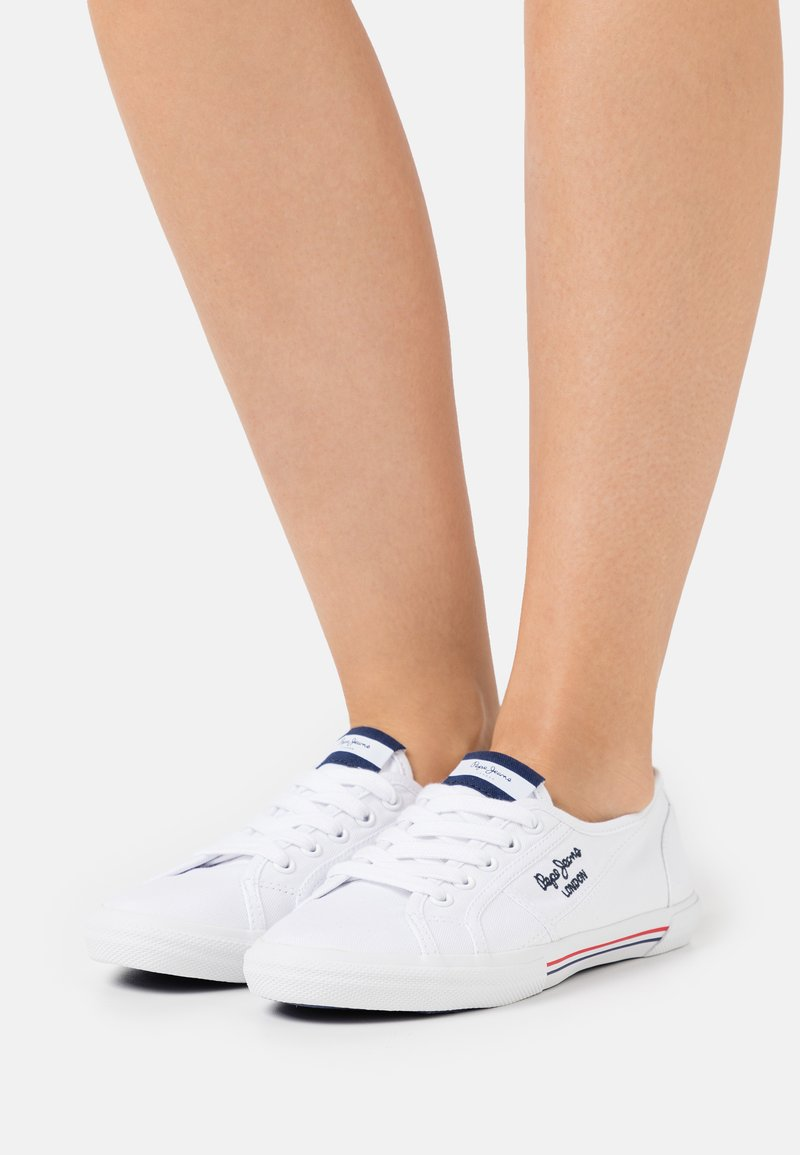Pepe Jeans - ABERLADY ECOBASS - Trainers - white