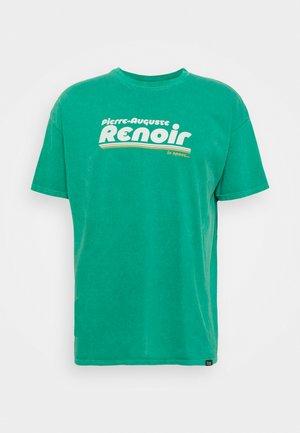 RENOIR IN SPACE TEE - Print T-shirt - green