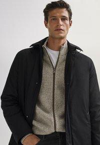 Massimo Dutti - 03421243 - Down jacket - black - 2