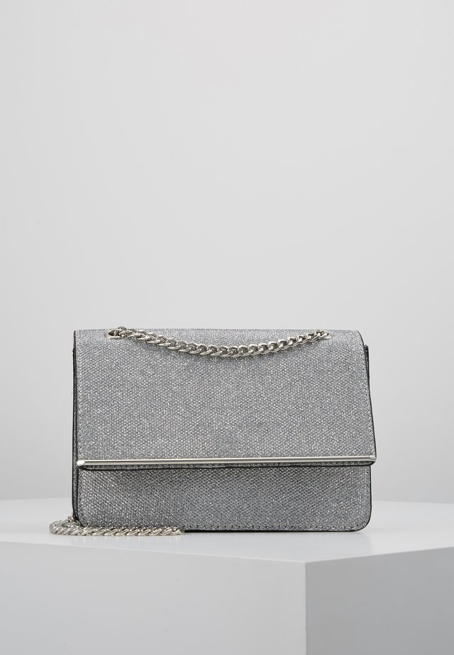 ROCHELLE CHAIN CHOULDER - Across body bag - silver