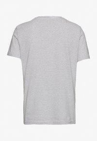 TOM TAILOR - Print T-shirt - offwhite - 1
