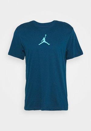 JUMPMAN CREW - Print T-shirt - valerian blue/cabana
