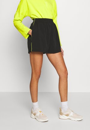 ACTIVE SHORTS WITH PIPING - Shorts - black