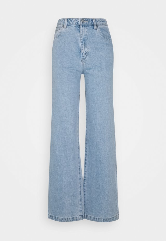 HIGH & WIDE - Straight leg jeans - light blue denim