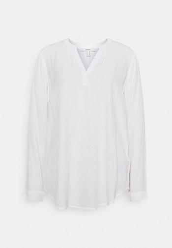 CORE - Blus - off white