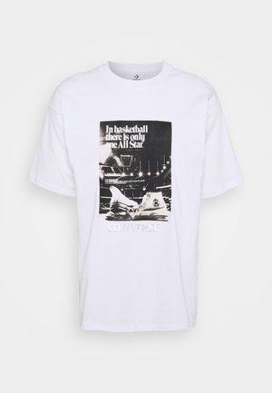 CHUCK TAYLOR WASHED ARCHIVE BASKETBALL TEE UNISEX - Camiseta estampada - white