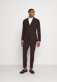 Isaac Dewhirst - THE FASHION SUIT 3 PIECE - Kostym - bordeaux - 0