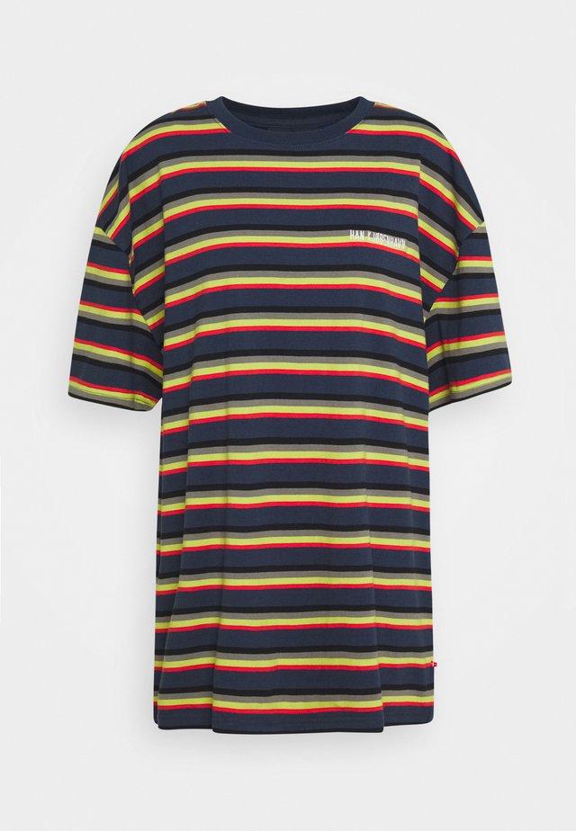 BOYFRIEND TEE - T-shirts print - blue