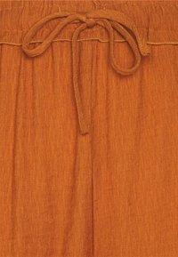 Missguided Petite - PLUNGE SHIRT AND DRAWSTRING PAPERBAG SHORTS SET - Short - rust - 7