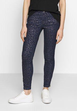 VICTORIA SIRINA PANT - Jean slim - blue
